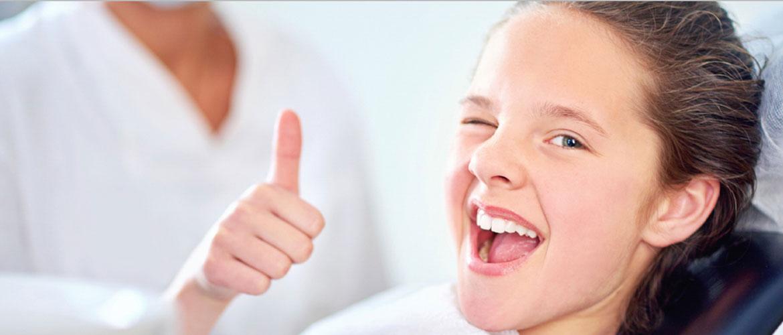 Детская стоматология: как можно настроить ребенка на поход в клинику?